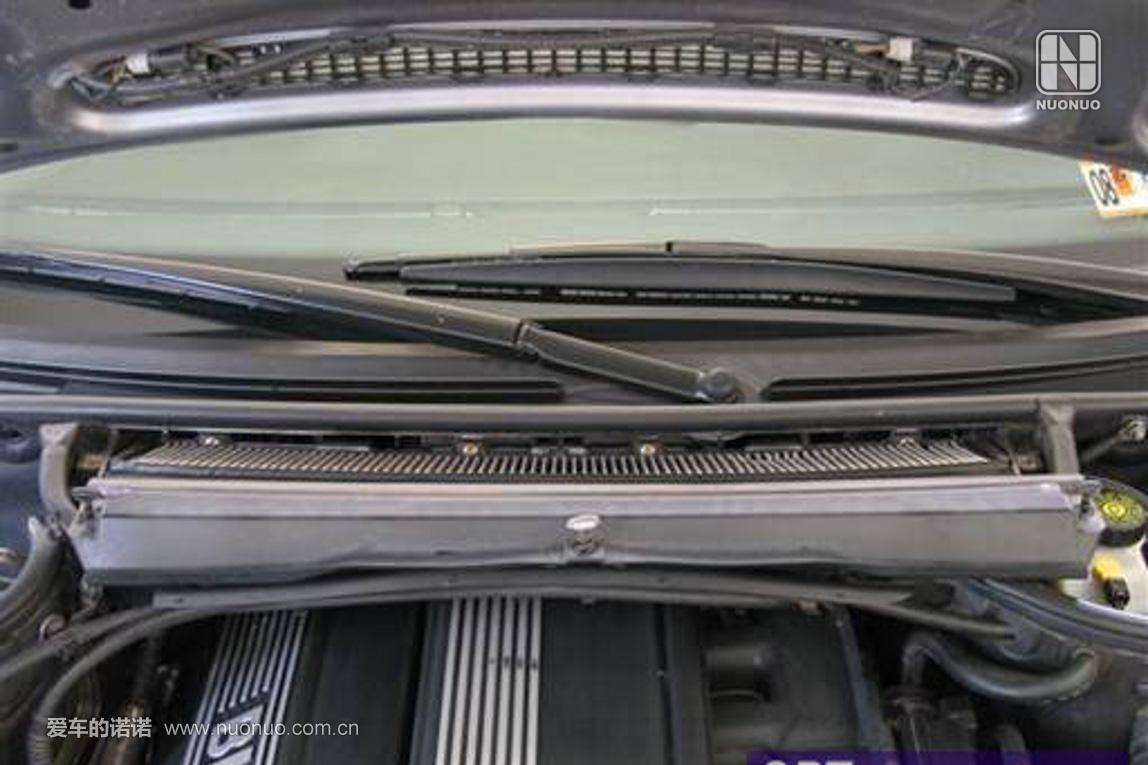 空调滤装入雨刮器下方