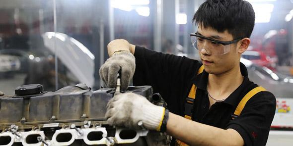 2015-09-14 上海店 宝马 325i 修整烧机油