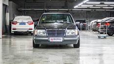这台车满街跑的年代,国庆节可不会堵车【老车出厂】